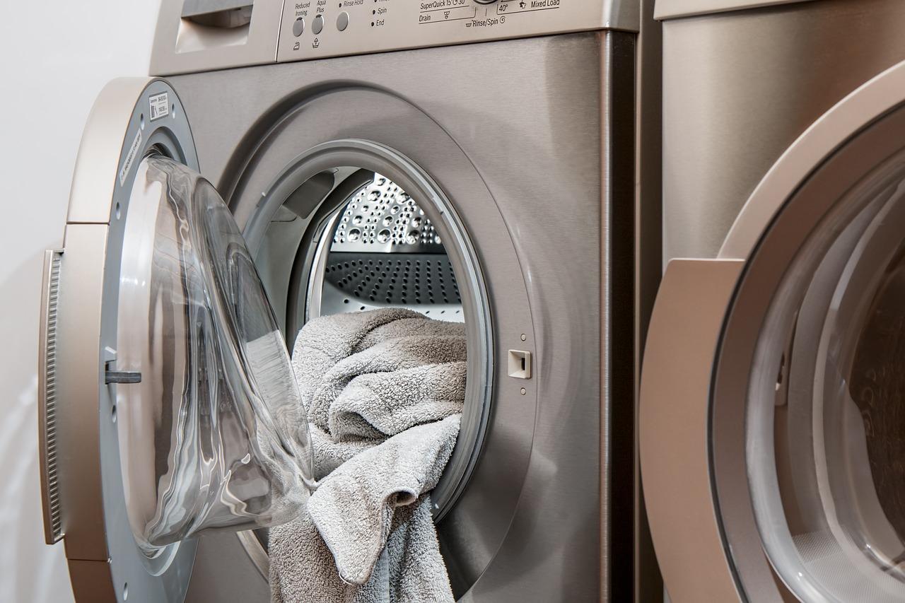 洗濯機の脱水が弱い?時間がかかる・終わらない時の原因と上手な設定とは?