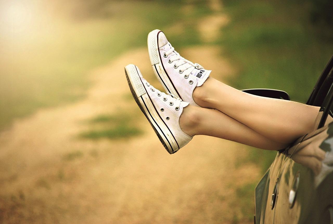 足汗を止める方法で制汗剤は正しい?クリームや病院、ツボ押しでの改善は可能?