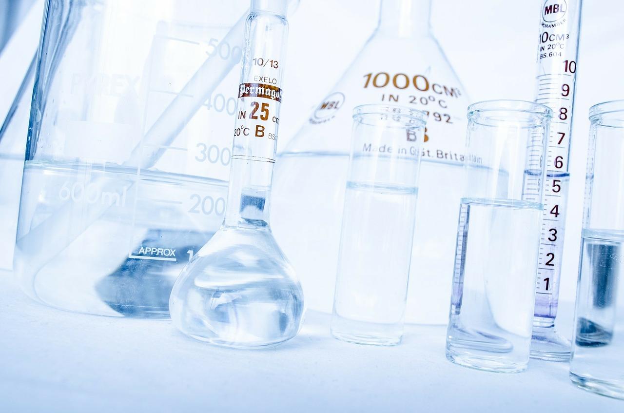塩化アルミニウム溶液の作り方!多汗症に自作の制汗剤で手汗や足汗を防止!