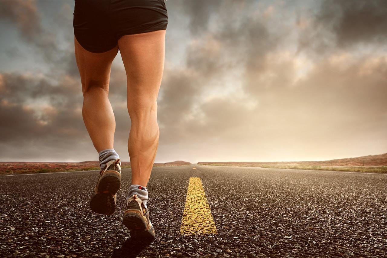 【足を細くする方法・男】メンズが太ももを筋トレで細くできる?