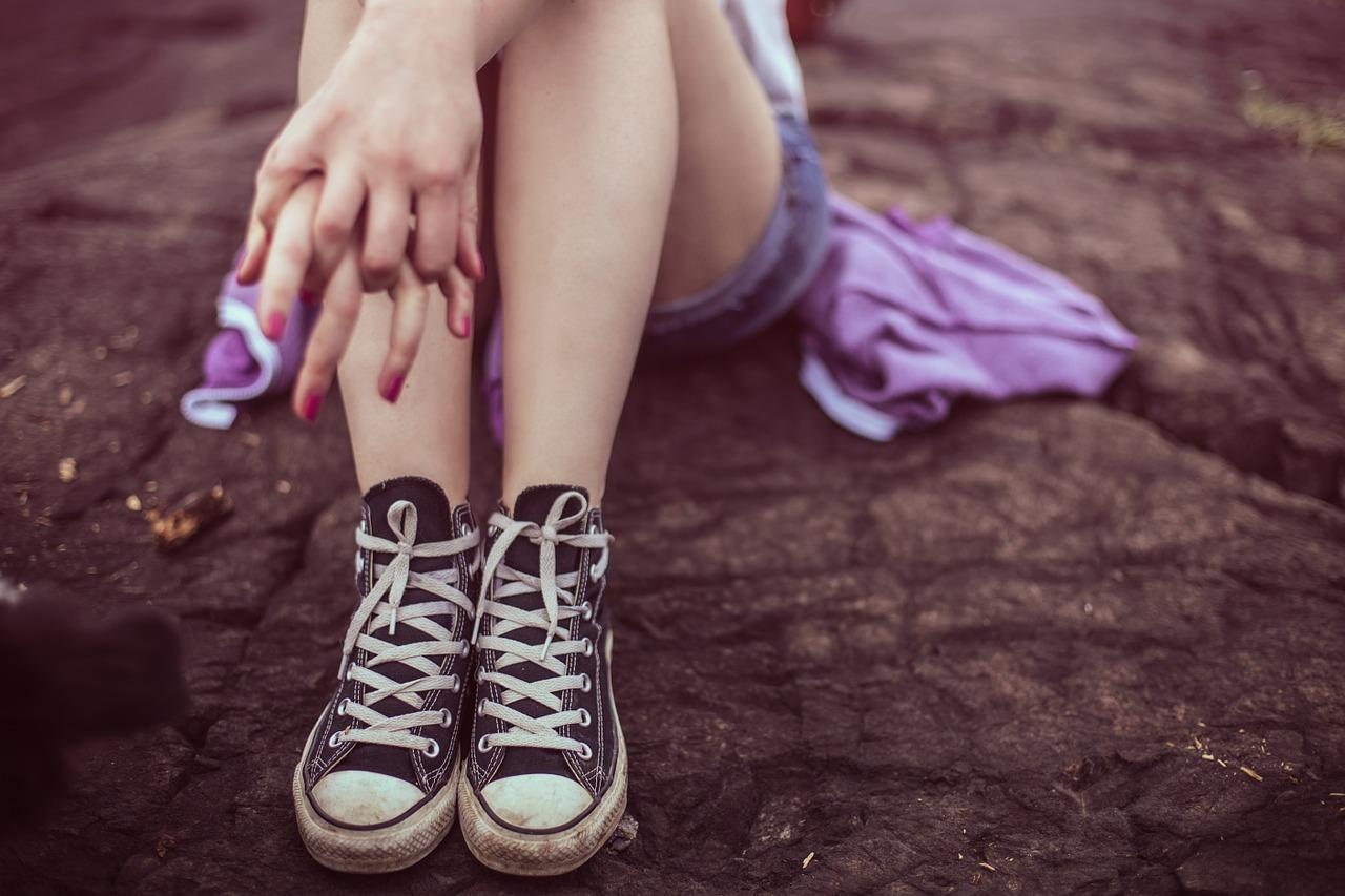 足を細くする方法!中学生・高校生女性でもできる簡単な筋トレ方法など!